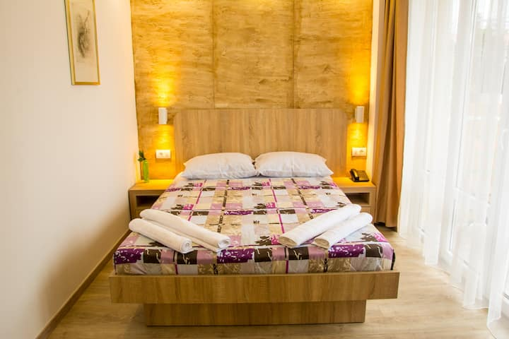 ARS Hotel -Double room, King bed