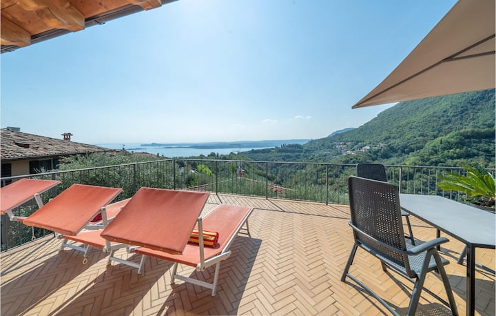 Stunning home in Toscolano M.no (BS) with WiFi and 1 Bedrooms