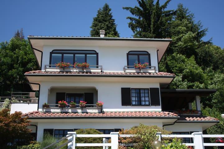 Verbania Suna,vista Lago Maggiore - Pallanza - Pis