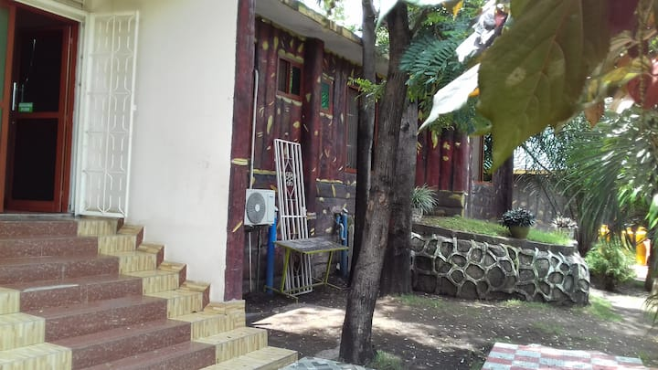 CULTURAL & COMFORTABLE HOME, at Lake Victoria