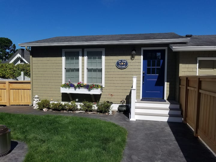 Beautiful beach cottage, completely remodeled