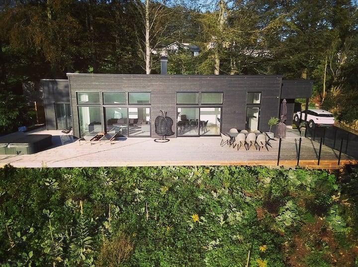 Villa Bjäre, Ocean View House with Outdoor Jacuzzi