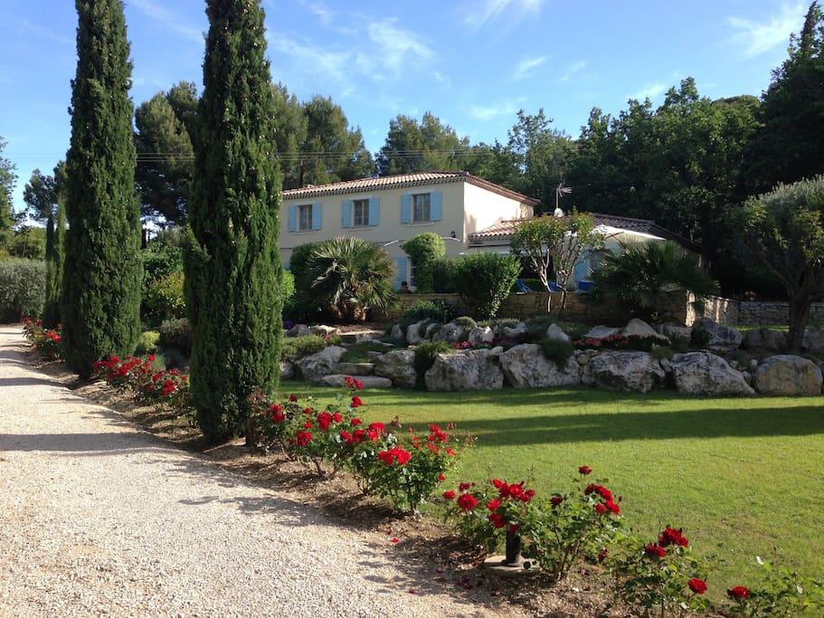 Bastide avec piscine et beau jardin villas louer - Location cote d azur avec piscine ...