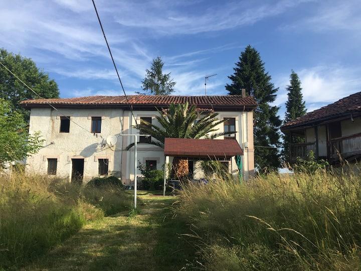 Habitación privada en zona rural en Nava, Asturias
