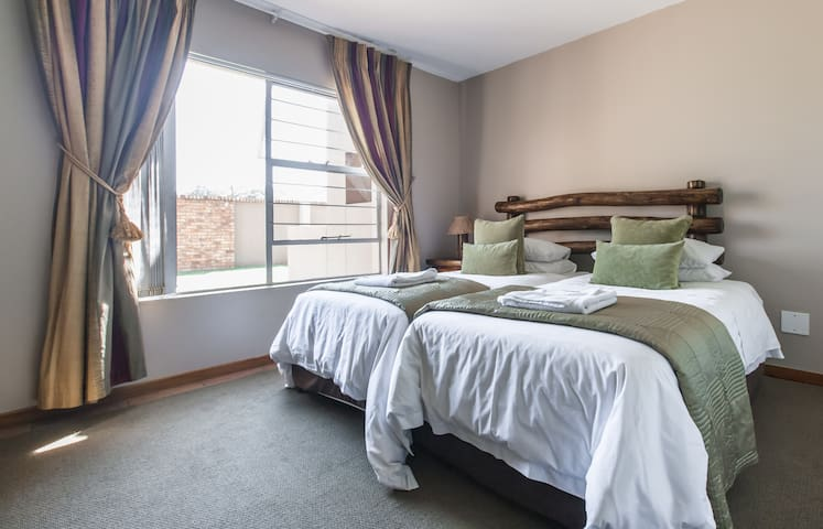 Afrique Malachite  self-catering - Boksburg - Apartment