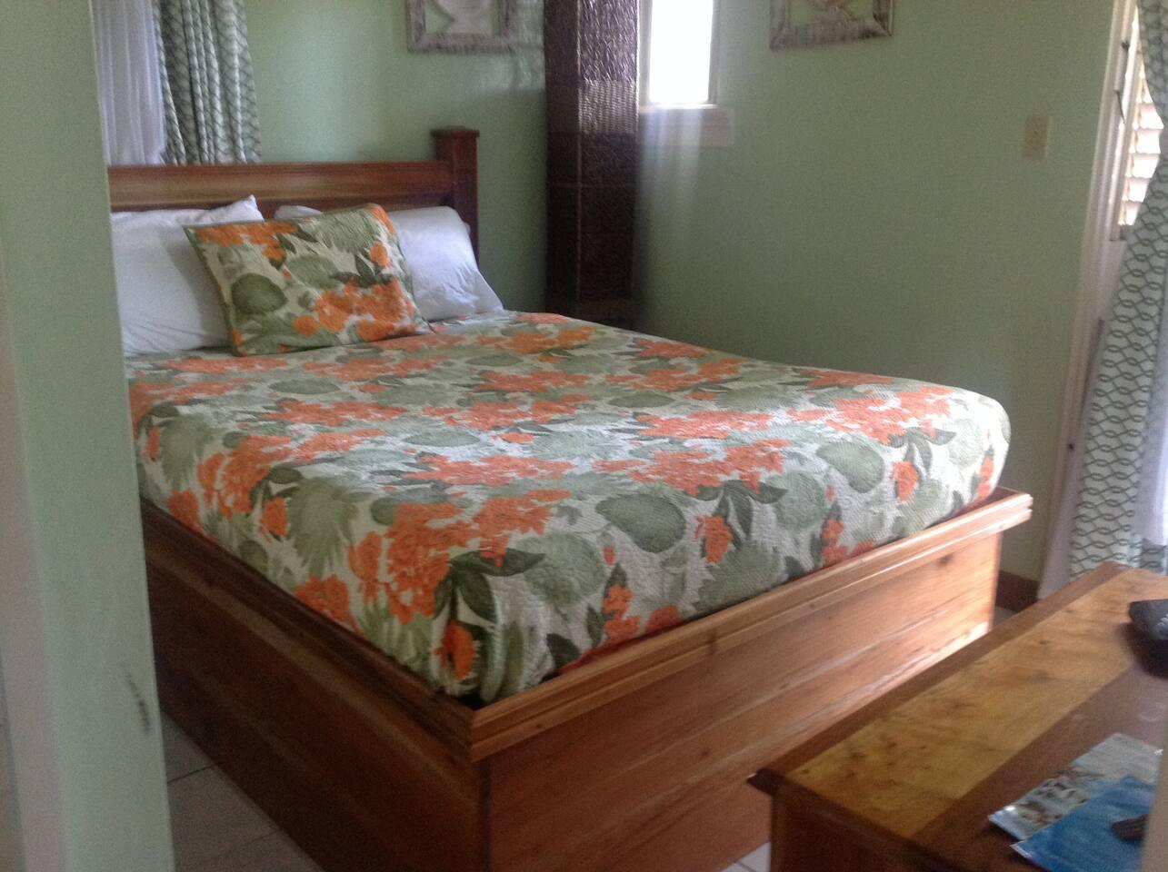 Bedroom with queen bed & dresser