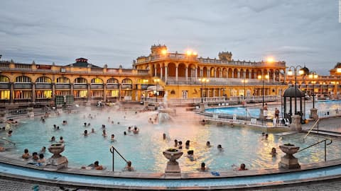 Excellent choice to relax at Szechenyi Bath in all seasons. It's only few minutes walk.
