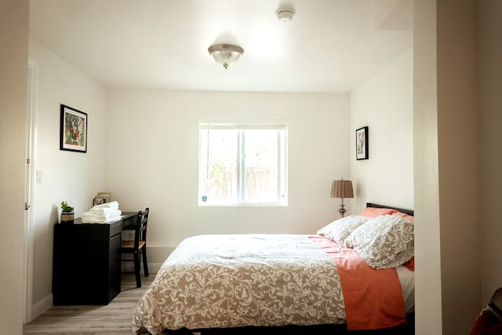 Bright and Spacious Bedroom with ensuite Bath