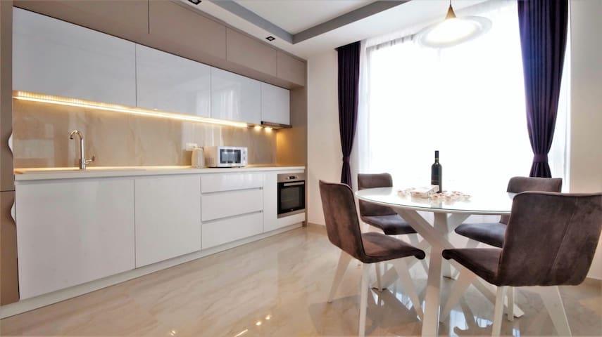 2 BR Olivar Apartment Budva