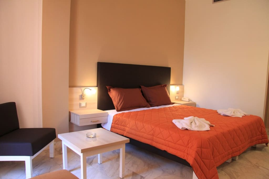 Hotel elotia chambres d 39 h tes louer for Louer chambre hotel
