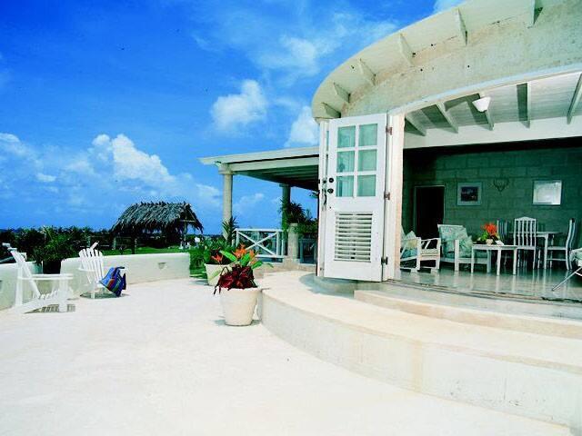 Stylish Beachfront Villa on Silver Sands Beach