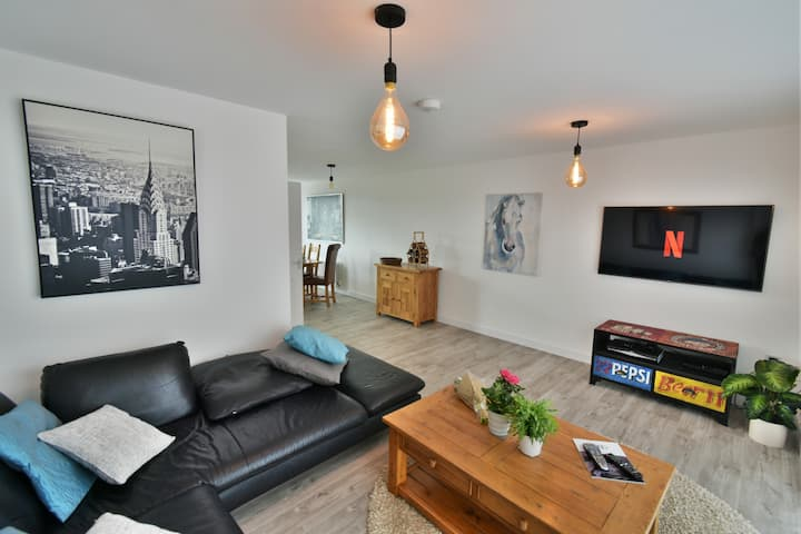 4-bed Townhouse Portishead Marina Bristol sleeps 7