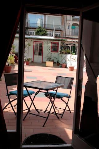 Single room in Gràcia