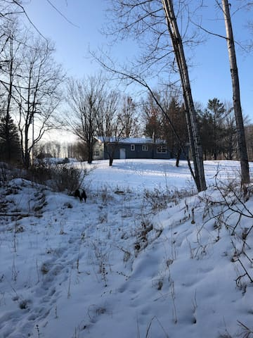 Beckettwood Cottage 35 Acres for Snowmobiling
