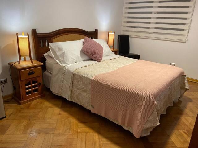 Habitación Suite para 2 personas -- Las Condes.