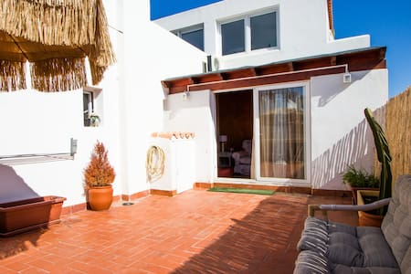 Cool apartment in playa den bossa - Sant Josep de sa Talaia - Huoneisto