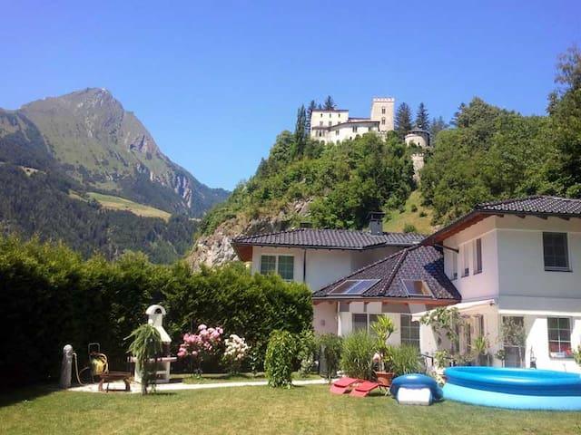 Ferienwohnung Schloß Weißensteinstr - Matrei in Osttirol - Apartamento