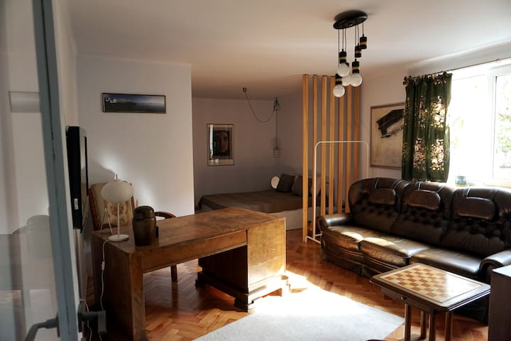 Elegant studio + parking in the middle of the city