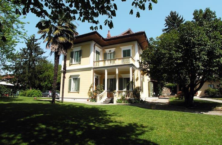 Appartamento in villa d'epoca - Albiano d'Ivrea - Apartmen