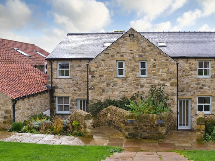 Brancepeth Cottage-27766 (27766)