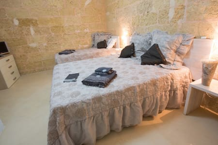 CAMERA TRIPLA a CAPPERI !! B&B - Morciano di Leuca - Bed & Breakfast