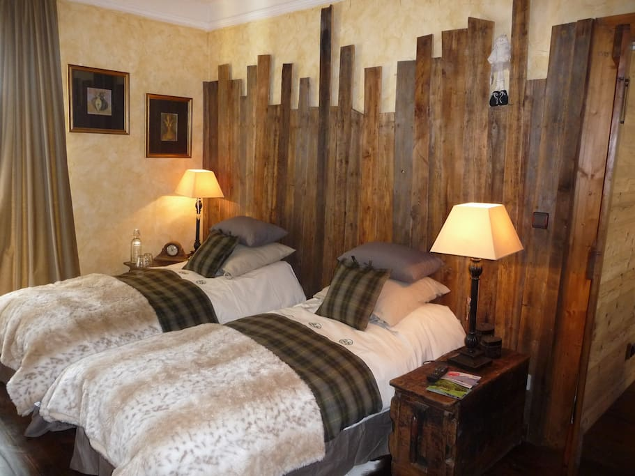Luxury b b in the french alps chambres d 39 h tes louer for Chambre in french