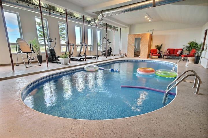 Luxueuse villa B&B-piscine intérieure,plage à pied