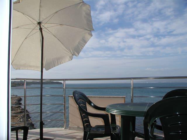 Seaside Apartment House - Banj - Byt