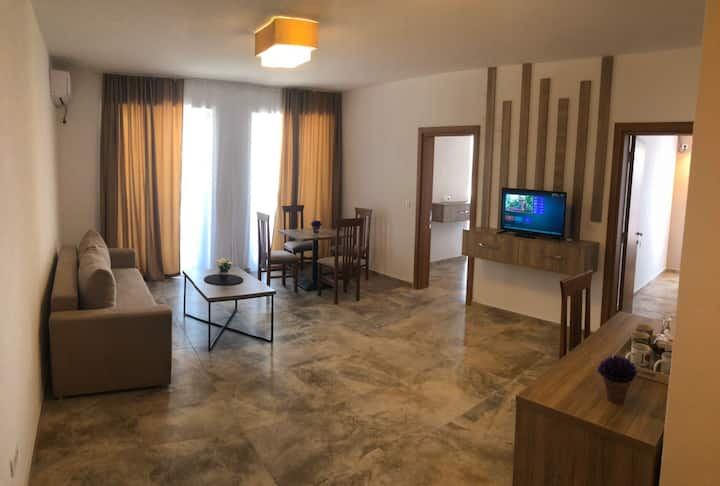 FAMILY HOTEL ROOM+BREAKFAST+SWIMMING POOL