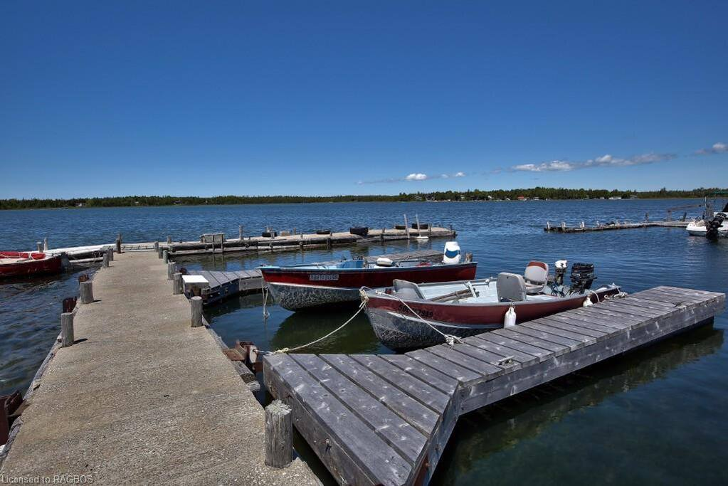 Small Marina on site, great fishing & boating, bring your water toys