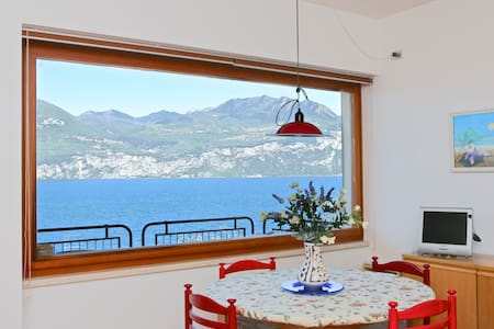 Beautiful view directly on the lake - Brenzone - Apartment - 2