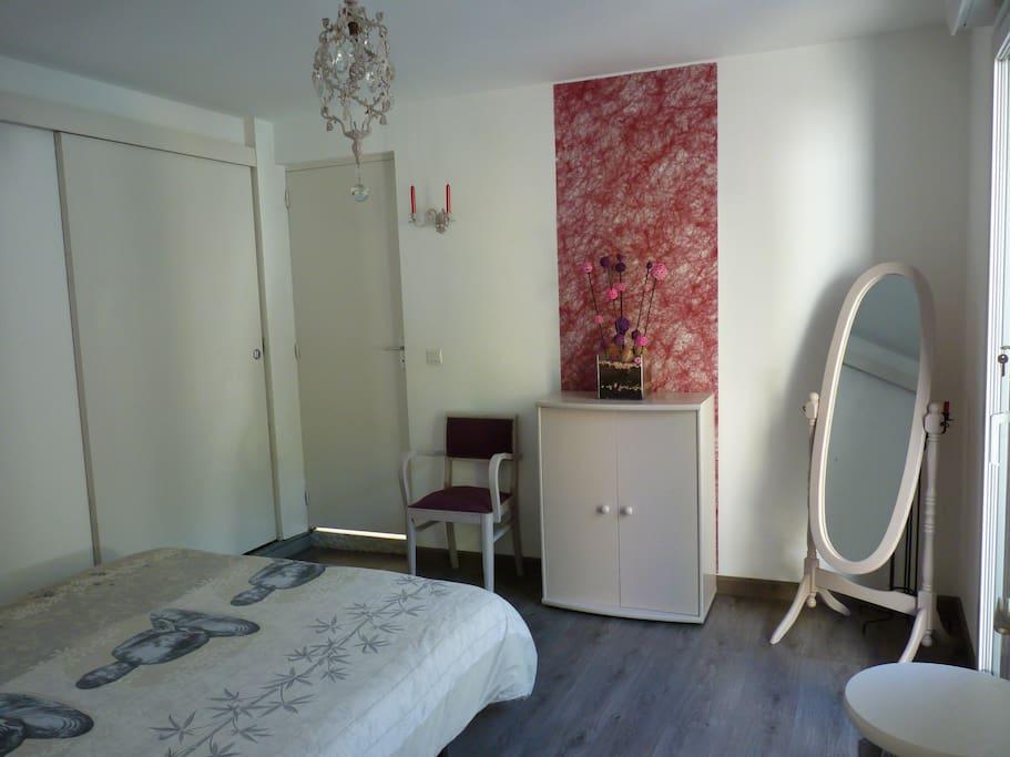 Chambre avec salle d 39 eau priv e h user zur miete in esnandes poitou charentes frankreich - Fotos van salle d eau ...