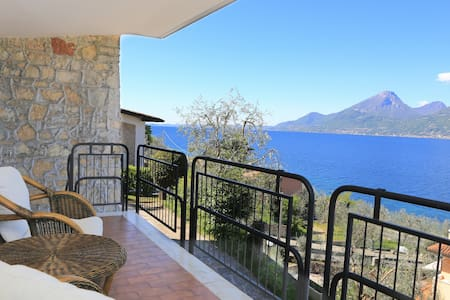 Beautiful view directly on the lake - Brenzone - Apartment - 1