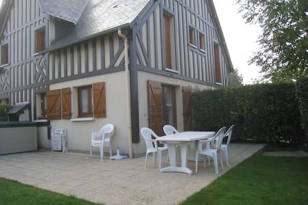Cottage 2 chambres dans résidence à 300m mer - Cabourg