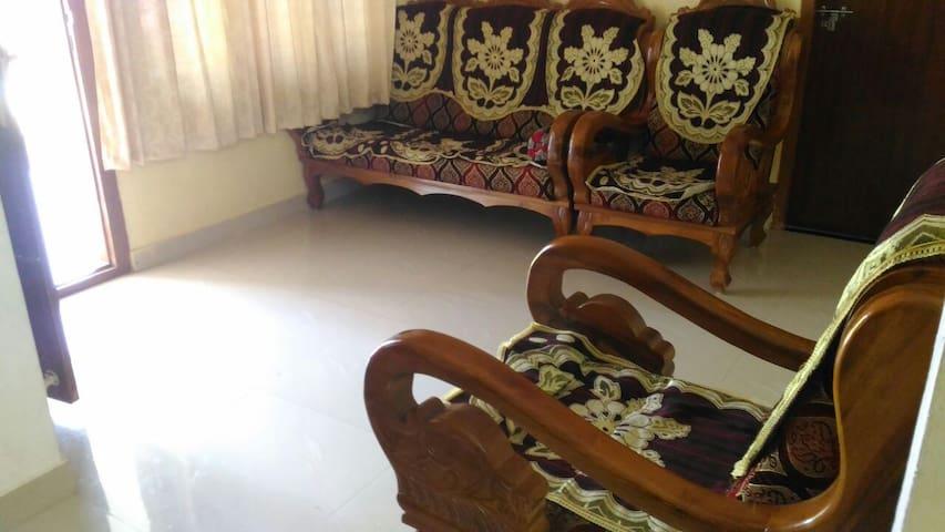 Private Room in Kerala Village (Munnar Route)