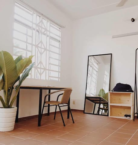 Charming room in a tropical house - Ho Chi Minh - Huis