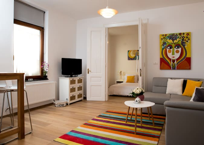 Cozy and Chic Unirii Square Apartment - Timișoara - อพาร์ทเมนท์