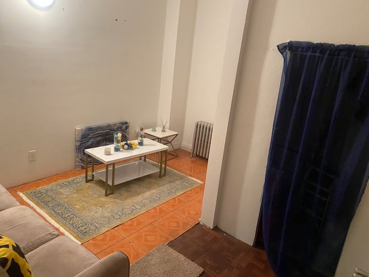 BIG modern one bedroom with own entrance in BK🗽