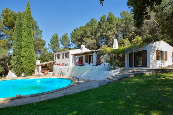 Large and quiet family home - Sorgues - House