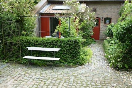 landhuis met 2 kamers dir. Brugge