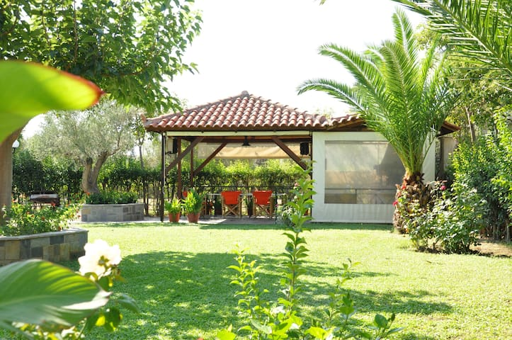 Αnnilena for 4 Guests - Eratini - Apartamento