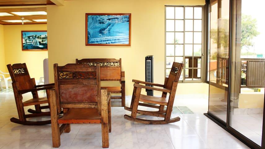 Casa Nuevo Horizonte - Quimbaya - Rumah