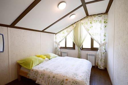 Двухместный номер с двуспальной кроватью