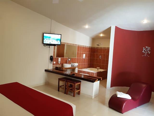 Suite con jacuzzi privado en la selva de Palenque - Palenque