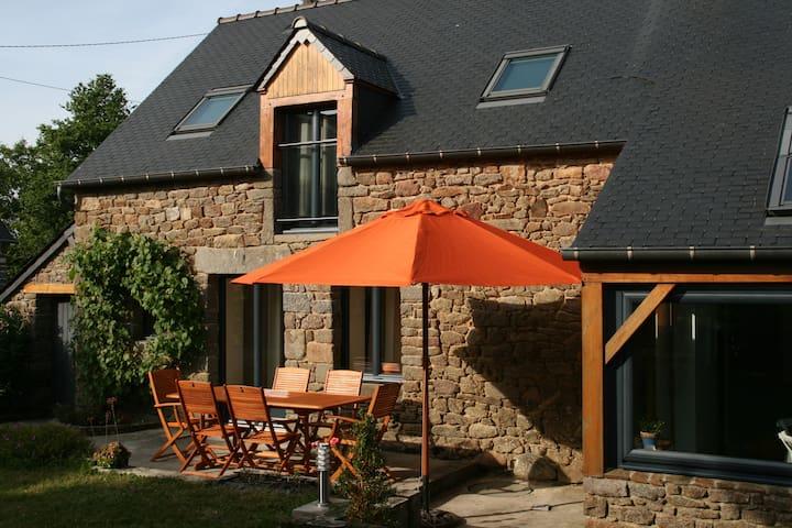 Gîte campagne proche Saint Malo - Bonnemain - House