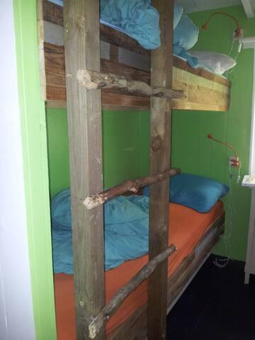 kamer met stapelbed
