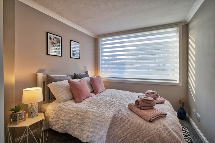 Holm View: Double Room & En-Suite