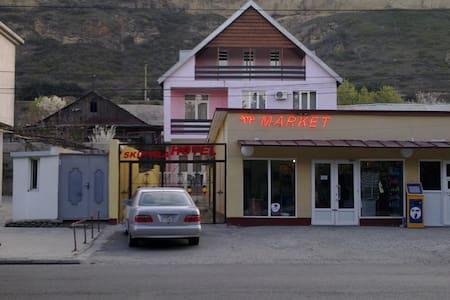 2х комнатный номер в гостинице - Tbilisi