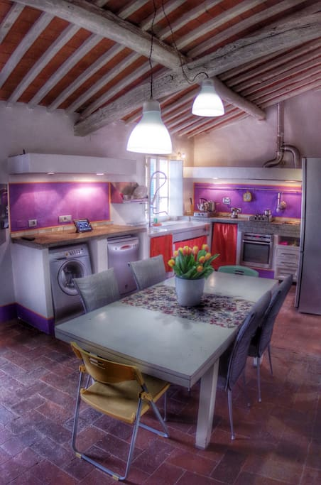 Panoramica sulla cucina-pranzo/overview of the kitchen-dining-room