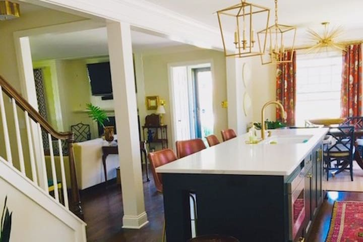 Charming remodeled Wauwatosa home DNC & Ryder Cup